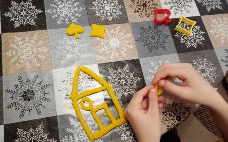 Ккао направити пластелин код куће (ВИДЕО)